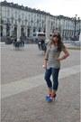 Abercrombie-and-fitch-jeans-aldo-bag-prada-sunglasses