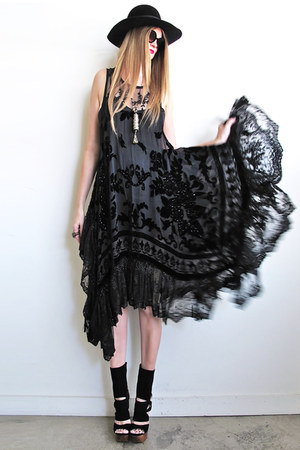 black velvet lace Girl On A Vine dress