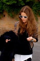 H&M jacket - Ray Ban sunglasses - Zara jumper