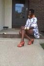 H-m-shirt-denim-shorts-mimi-maternity-shorts-bcbg-sandals