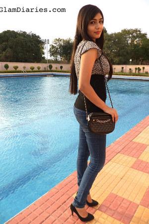 Sirens top - Vero Moda jeans - Mango pumps
