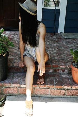 comfy sandal Delicious sandals