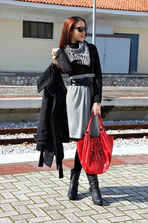 black wedges boots - stripes Passports shirt - scarf - red fringe bag