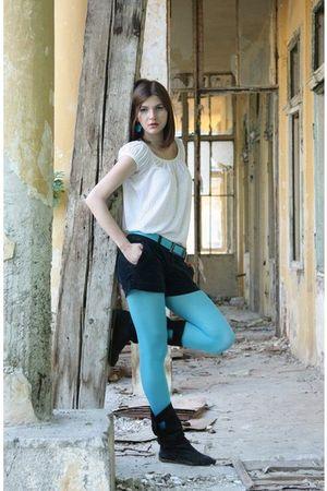 blue leggings - black boots - white blouse - black pants - blue belt