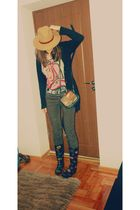 black boots - brown hat - black jacket - brown purse - silver t-shirt - brown be