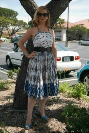 blue vintage dress - blue 9 West shoes - black Anthropologie belt