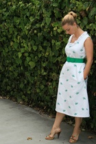 vintage dress - vintage belt - Oscar de la Renta shoes - Anthropologie earrings
