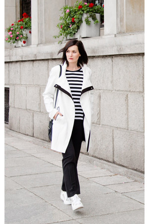 black and white Dorothy Perkins coat