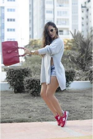 Prada bag - Dolce & Gabbana sunglasses - nike sneakers - H&M Trend blouse