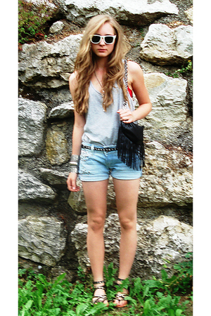 shirt - shorts - purse - belt - shoes - sunglasses