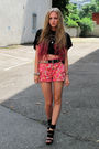 Pink-zara-shorts-black-h-m-t-shirt-black-h-m-shoes