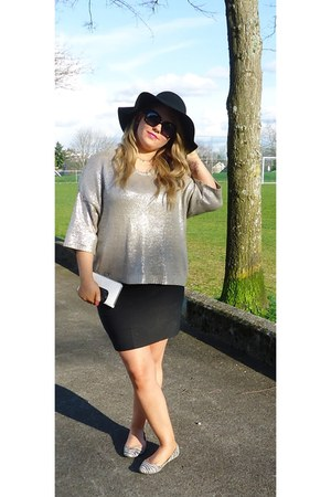 black floppy hat Aldo hat - silver metallic Zara sweater