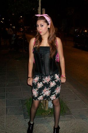 skirt - black top