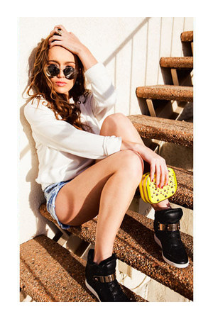 sweatshirt - bag - shorts - sunglasses - ring - sneakers