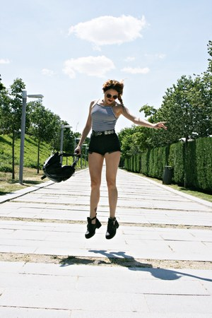 Bershka bag - Primadonna boots - Levis shorts - no brand sunglasses