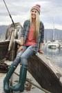 Hunter-boots-dl1961-jeans-kirra-hat-volcom-shirt-volcom-t-shirt