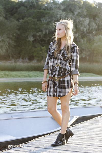 ONE by RAILS shirt - Via Spiga boots - Samantha Wills necklace