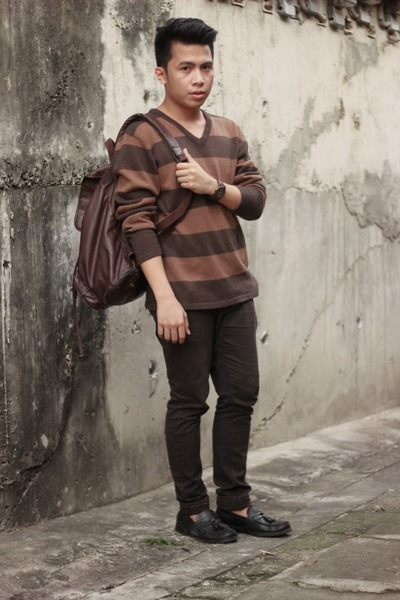 brown Kappastuff sweater - black Payless shoes - dark brown Oxygen bag