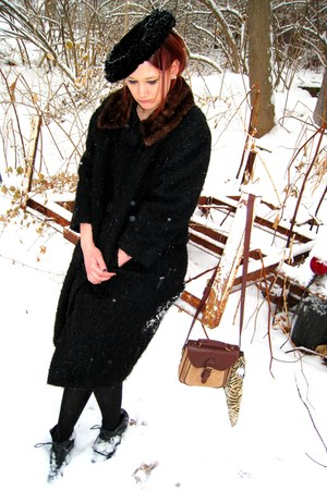 vintage coat - vintage hat - vintage bag
