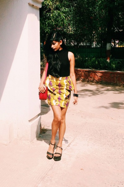 chartreuse geometrical skirt - black Zara shoes - maroon bag