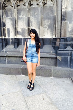 black sandals shoes - sky blue dungarees H&M shorts