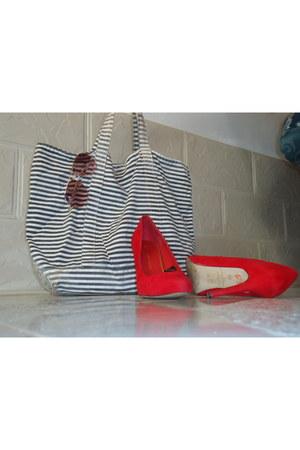 bag - Mr Price sunglasses - pointed-toes Atmosphere heels