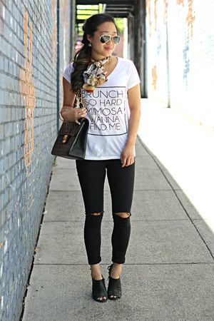 black Topshop jeans - white graphic tee The Trendy Sparrow shirt