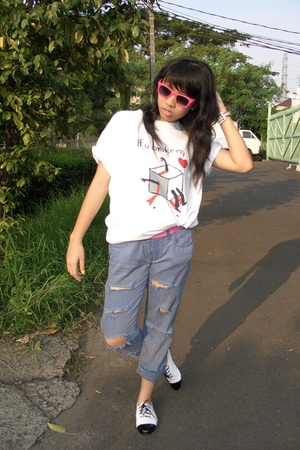 Forever21 glasses - Thrift Store t-shirt - jabotabek shopping belt - DIY jeans -