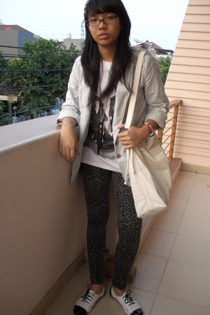 Pull and Bear leggings - unbranded t-shirt - Mango accessories - Zara blazer - F