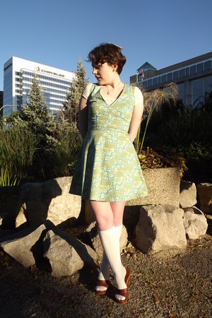 lime green Dilly Daisy dress - ivory modcloth socks - cream le chateau blouse