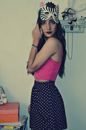 hot pink Mute top - navy dotted Zara skirt