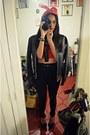 Dark-gray-leather-vintage-jacket-black-waist-jeggings-zara-leggings