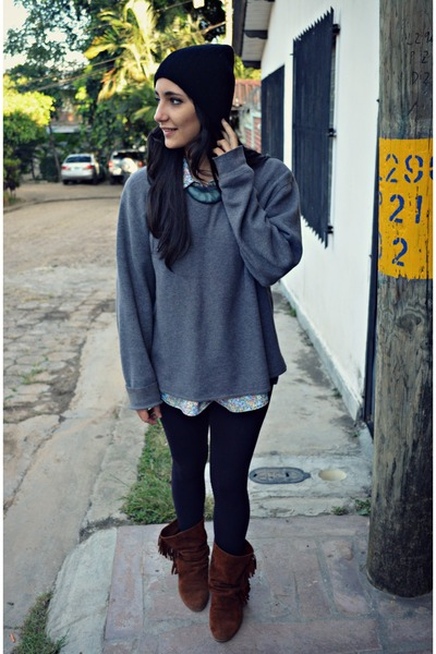 Charcoal Gray Gap Sweaters, Brown Zara Boots, Black Bershka ...