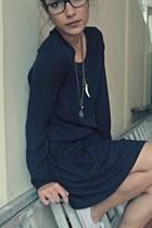 black Zara skirt - black Zara blouse - white Converse sneakers