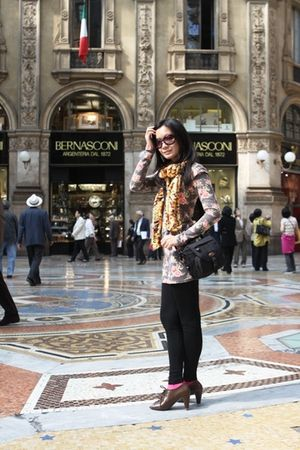 pink m2m top - black Gaudi leggings - belle shoes