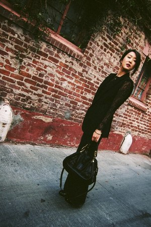 black flared denim AG Jeans jeans - black paraty Chloe bag - black lace blouse