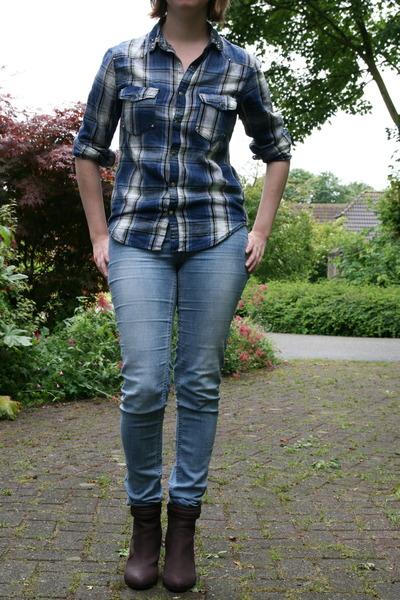 blue tregging H & M pants - crimson H & M boots - blue H & M blouse