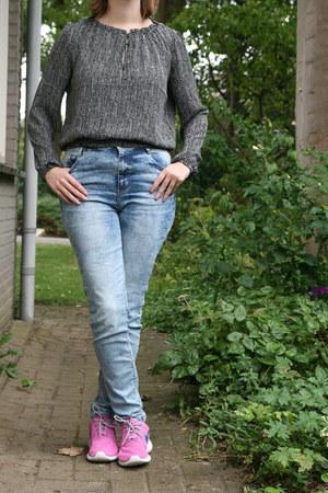 blue blouse H & M blouse - sky blue Bershka jeans