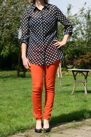 blue blue top Hema top - carrot orange orange jeans H & M pants