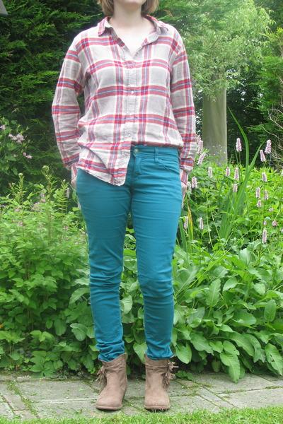 camel plaid blouse H & M blouse - camel van haren boots