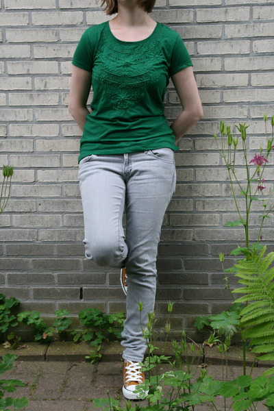 dark green green t-shirt C & A t-shirt - light blue light jeans H & M jeans