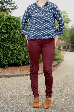 blue polkadot blouse Zara blouse - burnt orange ankle boots van haren boots