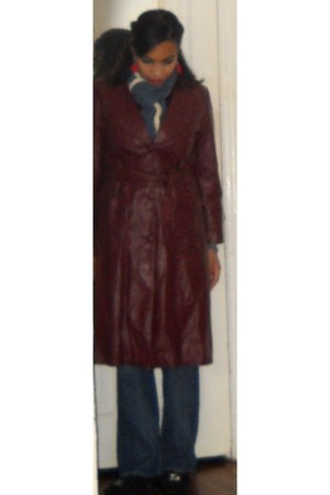 crimson leather trench vintage coat - navy blue denim Lucky Brand jeans