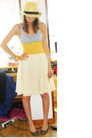 Primark hat - H&M t-shirt - Fornarina dress - Rodo shoes