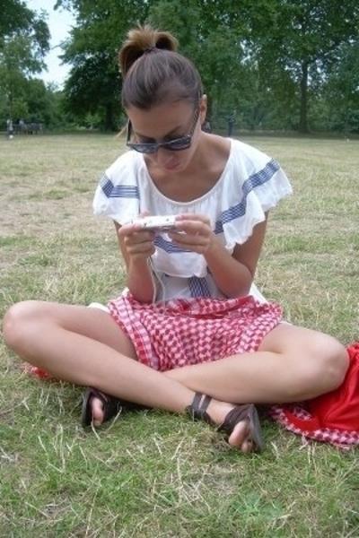 Ray Ban sunglasses - portobello market dress - H&M shoes