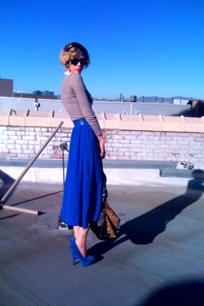 blue patent thrifted belt - camel Kenneth Cole NY bag - blue silk thrifted skirt