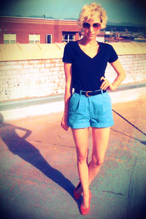 blue thrifted shorts - black Target t-shirt - black thrifted belt - pink payless