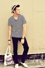 Beige-handmade-hat-white-hammer-shirt-black-hugo-boss-jeans