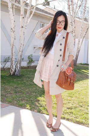 trench coat Anthropologie coat - vintage shoes - leather bag wearhouse bag