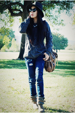 Joie boots - Rag and Bone hat - Theory sweater - botkier bag